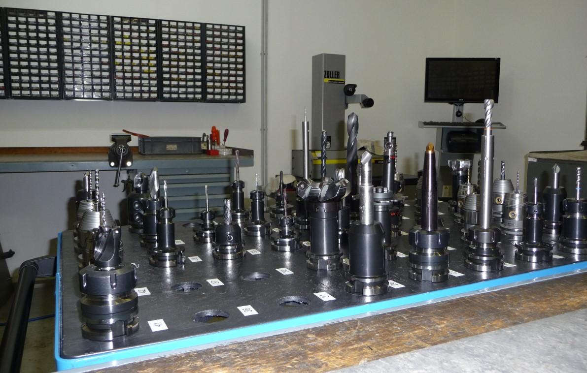 Werkzeugvermessung und Prüfung
